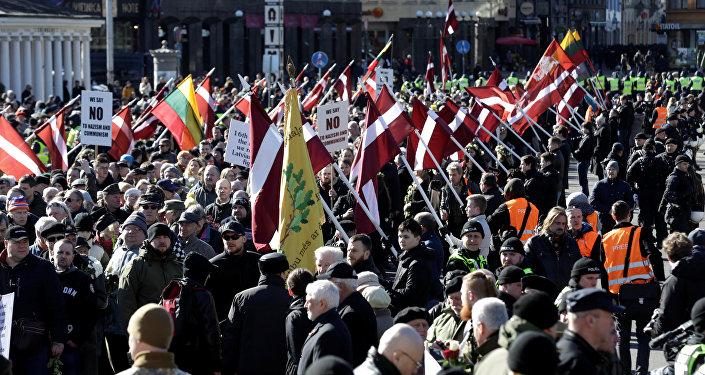 La marchas de los neonazis y los exlegionarios de las Waffen SS en Riga, Letonia