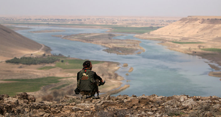 Oposición siria se reúne con De Mistura