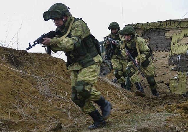 Ejercicios militares de las tropas aerotransportadas de Rusia
