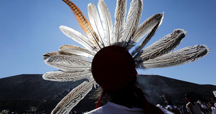 Trajes típicos y mexicanos muestran la diversidad cultural del país
