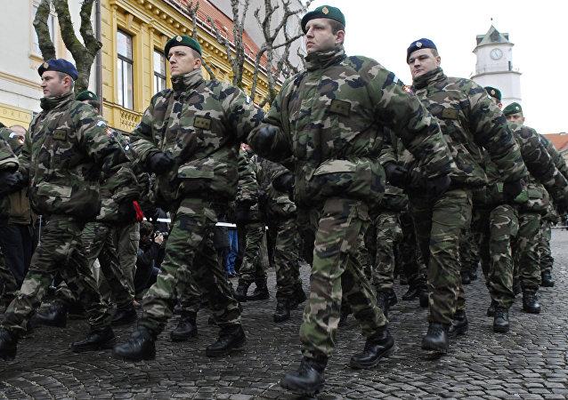Soldados eslovacos (archivo)
