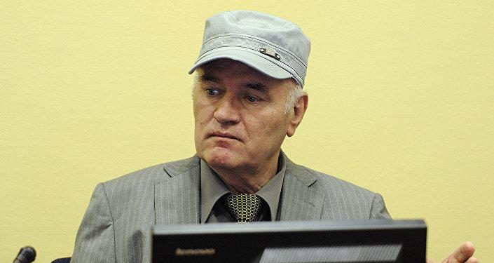 El general serbobosnio Ratko Mladic (archivo)