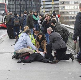 Gente herida después del atentado en el puente de Westminster en Londres (archivo)