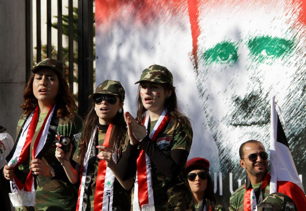 Retrato del presidente sirio, Bashar Asad, en el muro de un edificio en Damasco