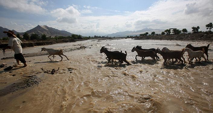 Consecuencias de inundaciones en Perú