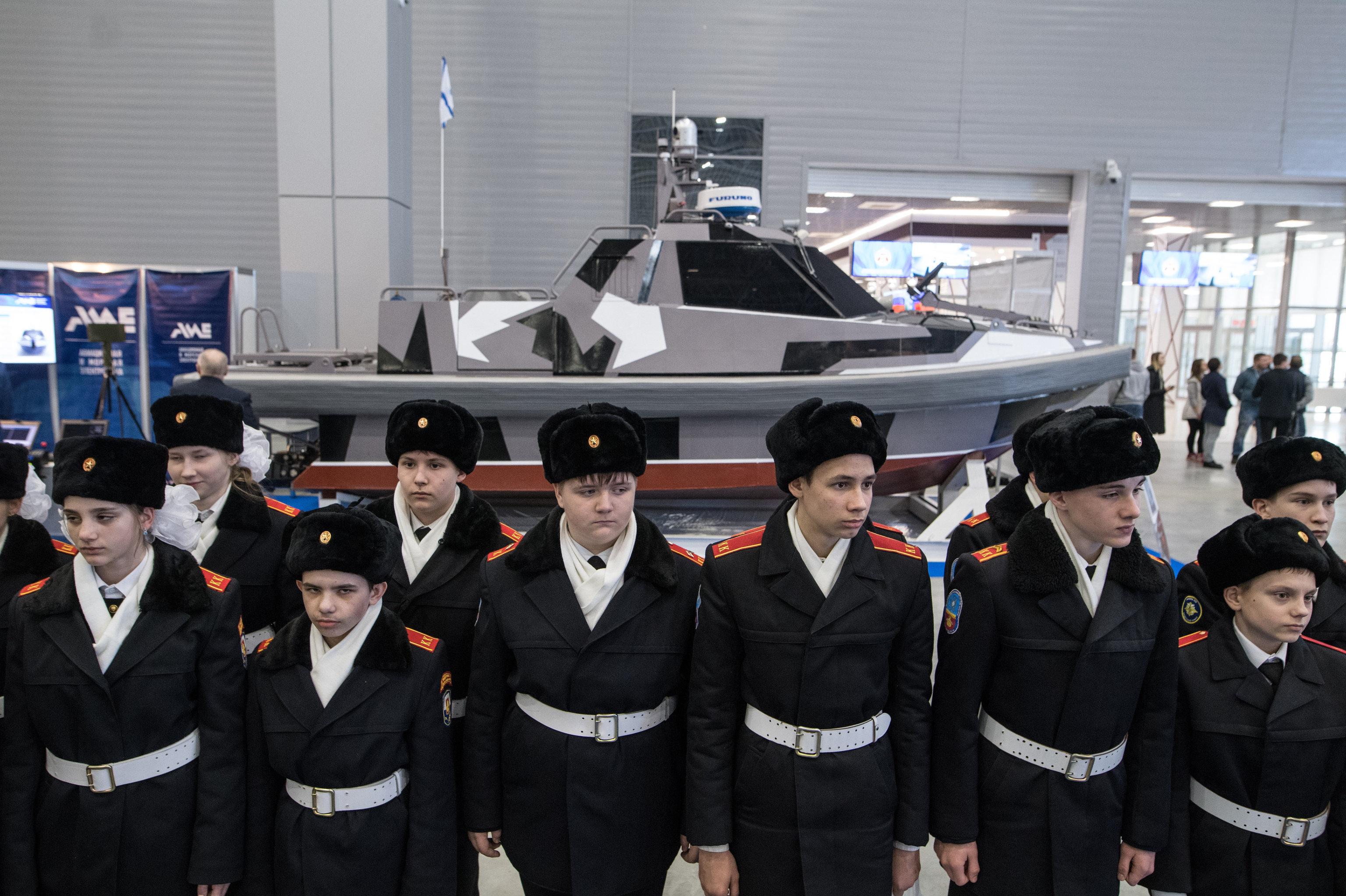 Los visitantes de la feria 'Robotización de las Fuerzas Armadas de Rusia'