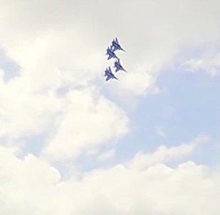 Vídeo: las acrobacias aéreas en los cazas Su-30 que te dejarán sin aliento