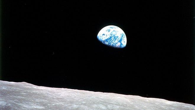La prima immagine di Earthrise presa dal Apollo 8 1968