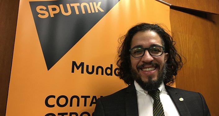 El diputado del Parlamento del Mercosur y del Congreso de Brasil Jean Wyllys visita los estudios de Sputnik