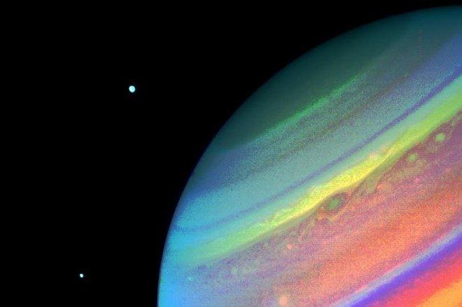 Una imágen de Saturno, capturada por la sonda espacial Voyager 2