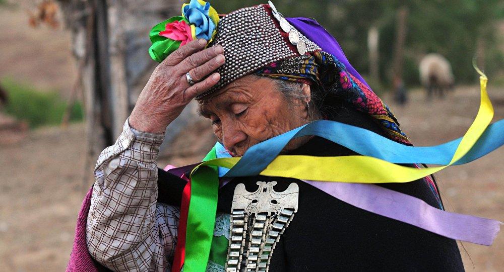 Una mujer indígena en la región chilena de Araucanía