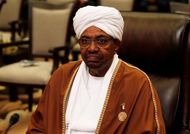 Omar Hasán Ahmad Bashir, presidente de Sudán (archivo)
