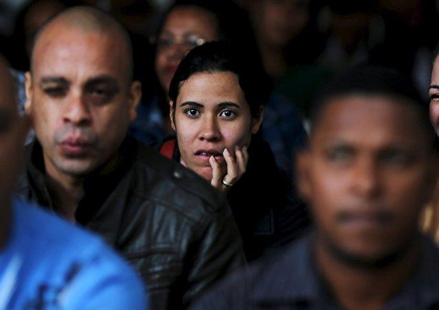Brasileños desempleados en la búsqueda de puestos de trabajo en Sao Paulo