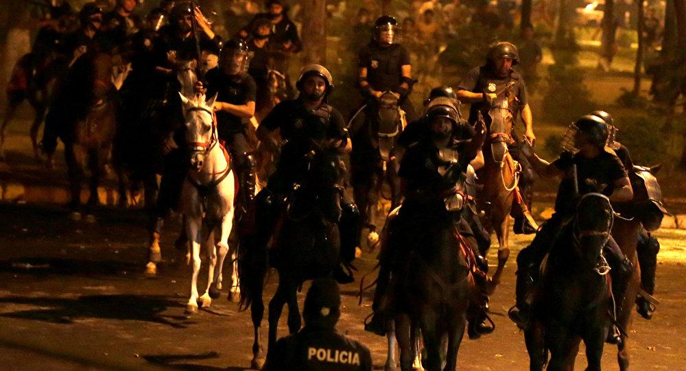 Policía de Paraguay durante protestas