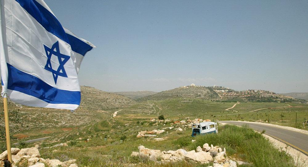 La bandera de Israel en el asentamiento del Valle de Shiló (archivo)