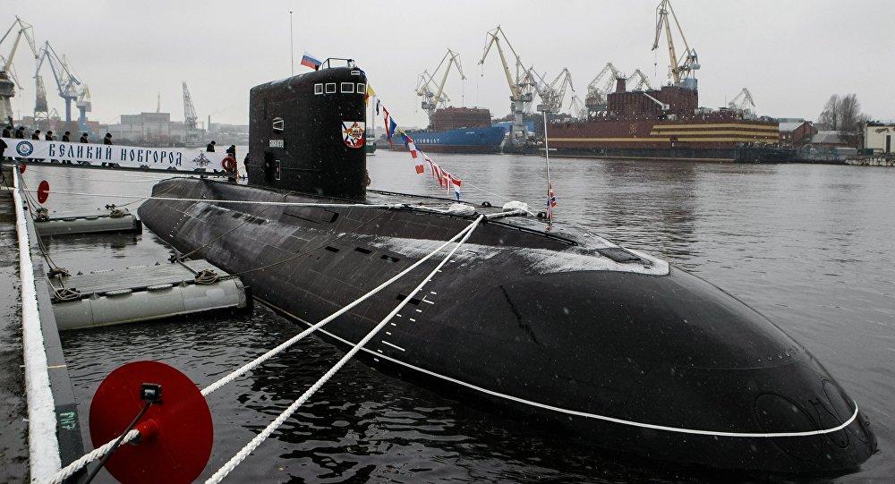 Un submarino de la clase Varshavianka