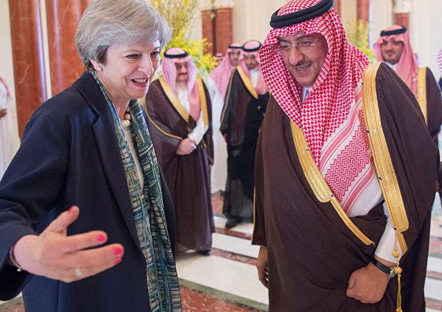 Theresa May, primera ministra británica y Mohamed bin Nayef, príncipe heredero de Arabia Saudi