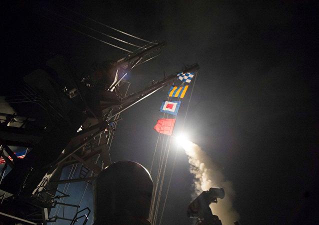Lanzamiento del misil de crucero Tomahawk (archivo)