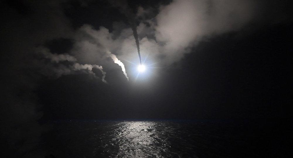 Lanzamiento de misil de crucero Tomahawk (archivo)
