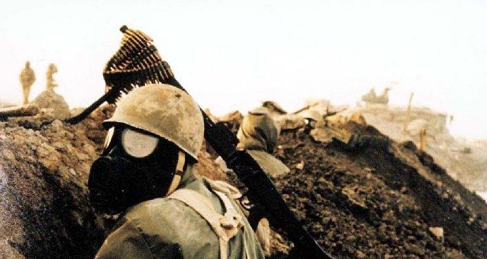 Soldado iraní durante la guerra Irán-Irak (archivo)