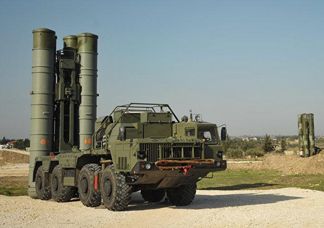 Los sistemas de misiles antiaéreos S-400