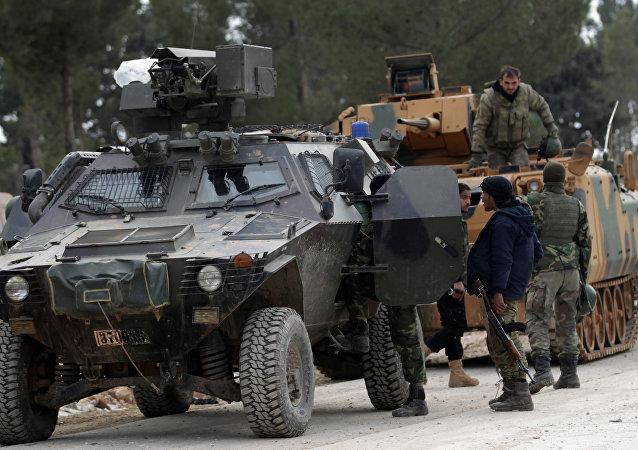 Las tropas turcas y los efectivos del Ejército Libre sirio (Archivo)