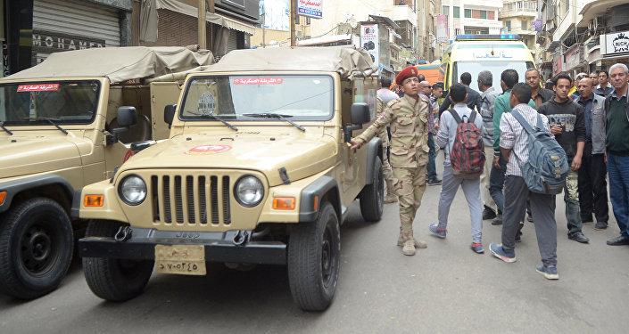 Militares egipcios en El Cairo