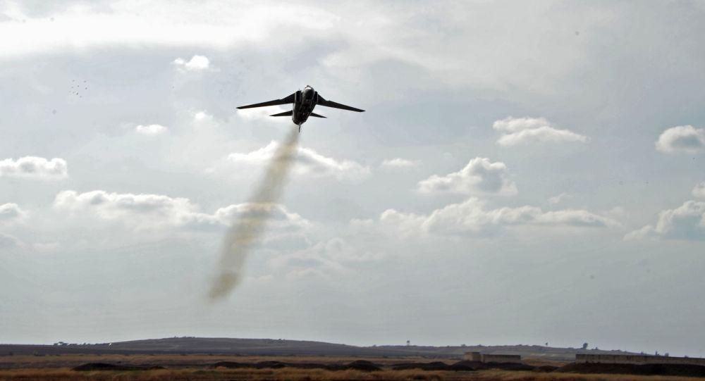 Un avión MiG-23 de la Fuerza Aérea Siria