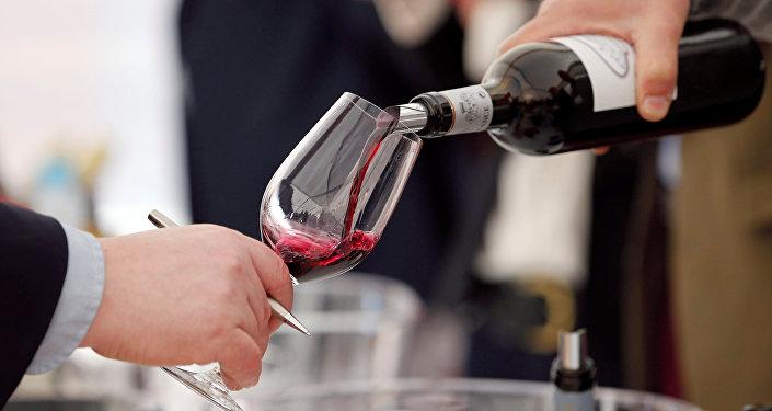 Degustación de vino (imagen referencial)