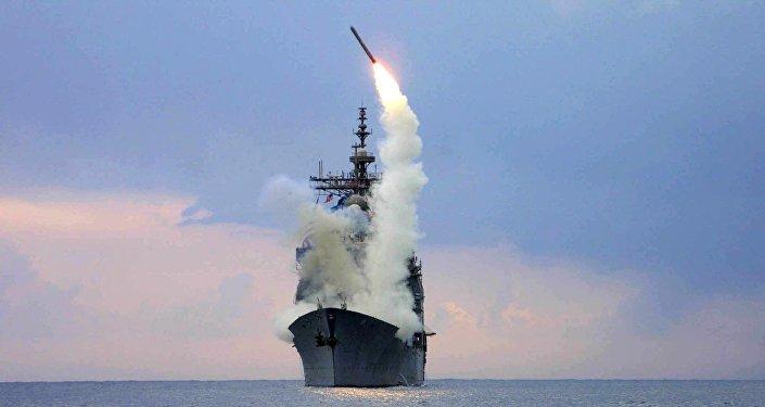 Lanzamiento del misil estadounidense Tomahawk (archivo)