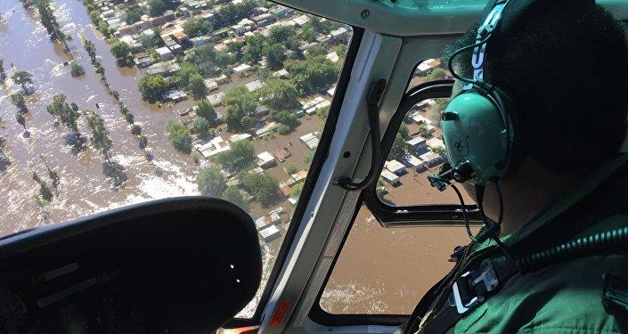 La Fuerza Aérea Uruguaya actúa en el rescate de las víctimas de las inundaciones al norte de Uruguay