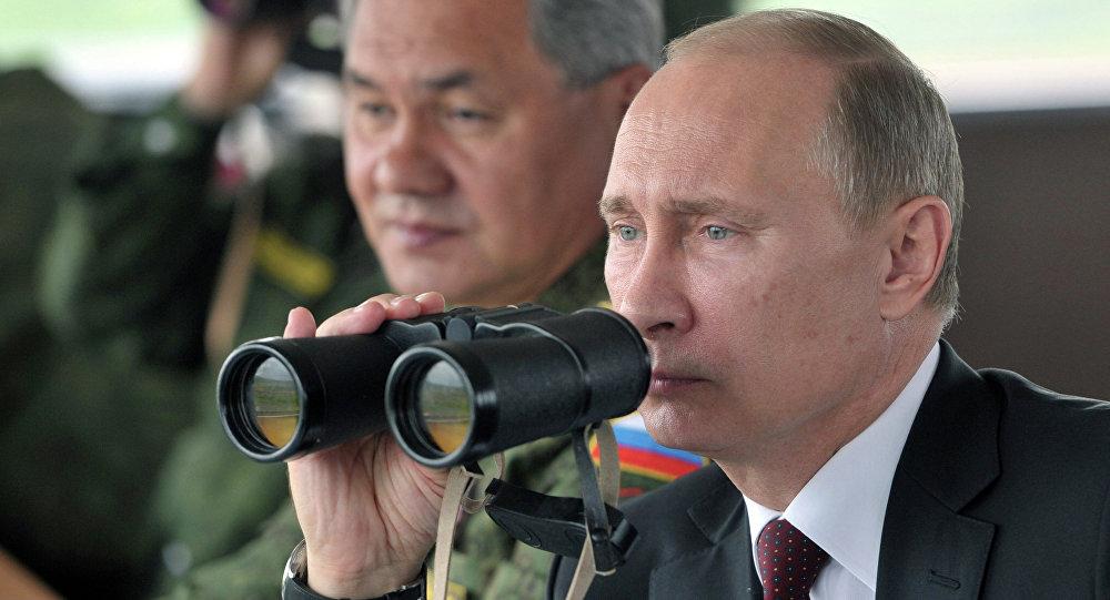 Presidente de Rusia, Vladímir Putin, y el ministro de Defensa, Serguéi Shoigú