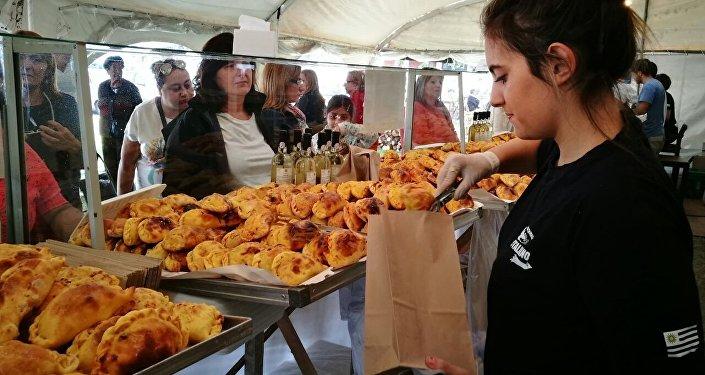 Empanadas a la venta en el Puerto de Buceo, en Montevideo