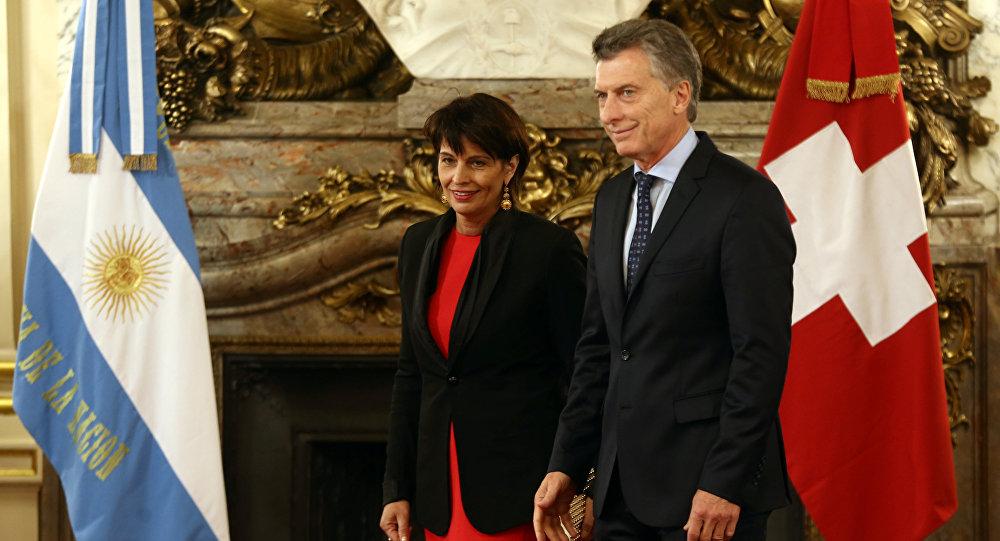 Doris Leuthard, presidenta de la Confederación Suiza, y Mauricio Macri, presidente de Argentina
