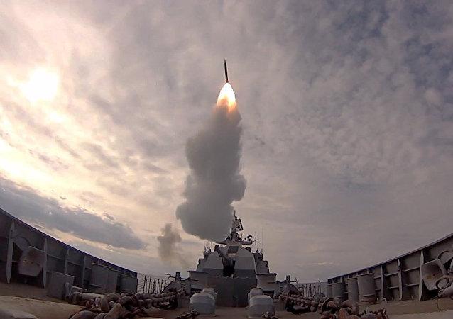 Experiencia útil: buques rusos practican la defensa antimisiles en el mar Báltico