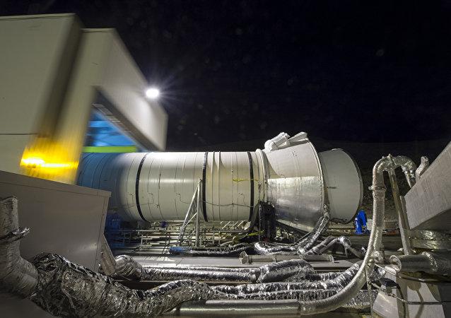 Una prueba de motor para el Sistema de Lanzamiento Espacial
