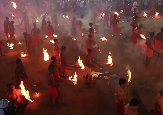 El festival Agni Keli