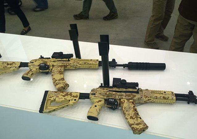 Fusiles de asalto AK-12 y AK-15