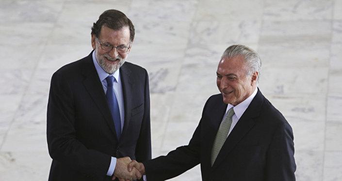 El presidente del Gobierno español Mariano Rajoy con su homólogo brasileño, Michel Temer, durante su visita a Brasil