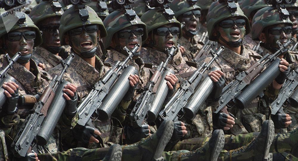 Ejército norcoreano durante un desfile en Pyongyang (archivo)
