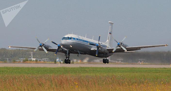 El avión ruso Il-18