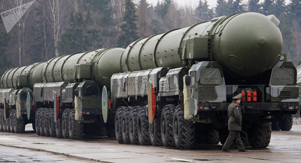 Lanzaderas de misiles Topol-M (archivo)