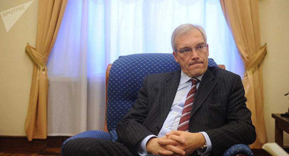El representante permanente de Rusia ante la Alianza, Alexandr Grushkó