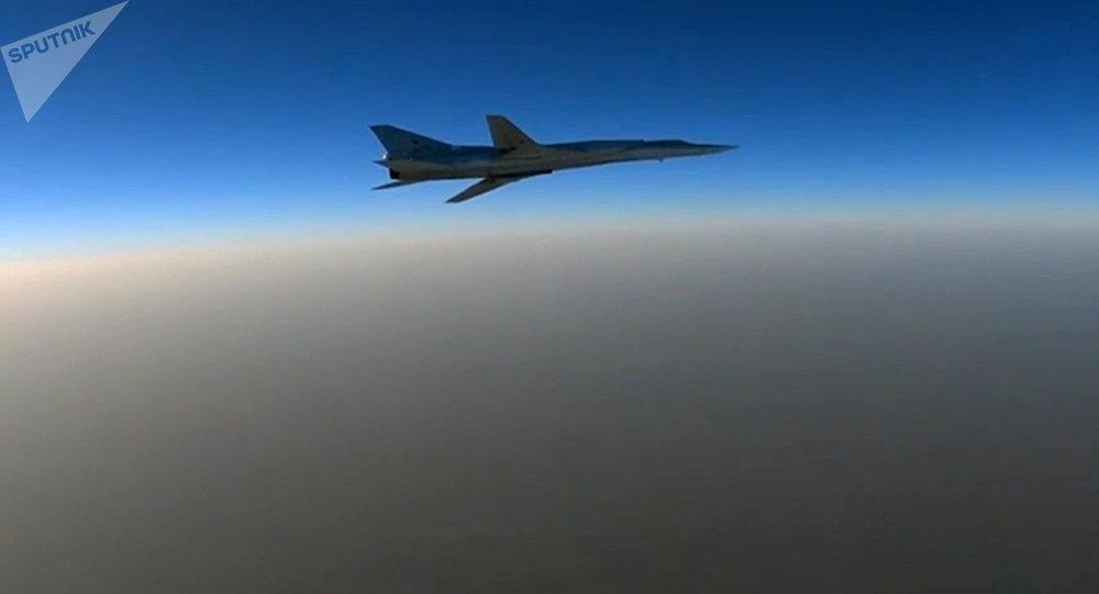 Tu-22m3 que participa en los ataques aéreos en Siria