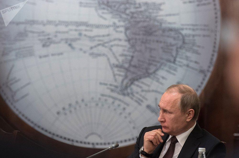 Vladímir Putin, presidente de Rusia, en una reunión de la Junta Directiva de la Sociedad Geográfica Rusa en San Petersburgo