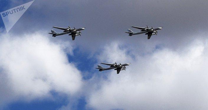 Los bombarderos estratégicos rusos Tu-95 (archivo)