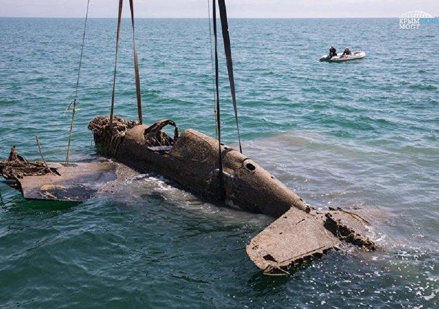 Avión de tiempos de la Gran Guerra Patria en el estrecho de Kerch