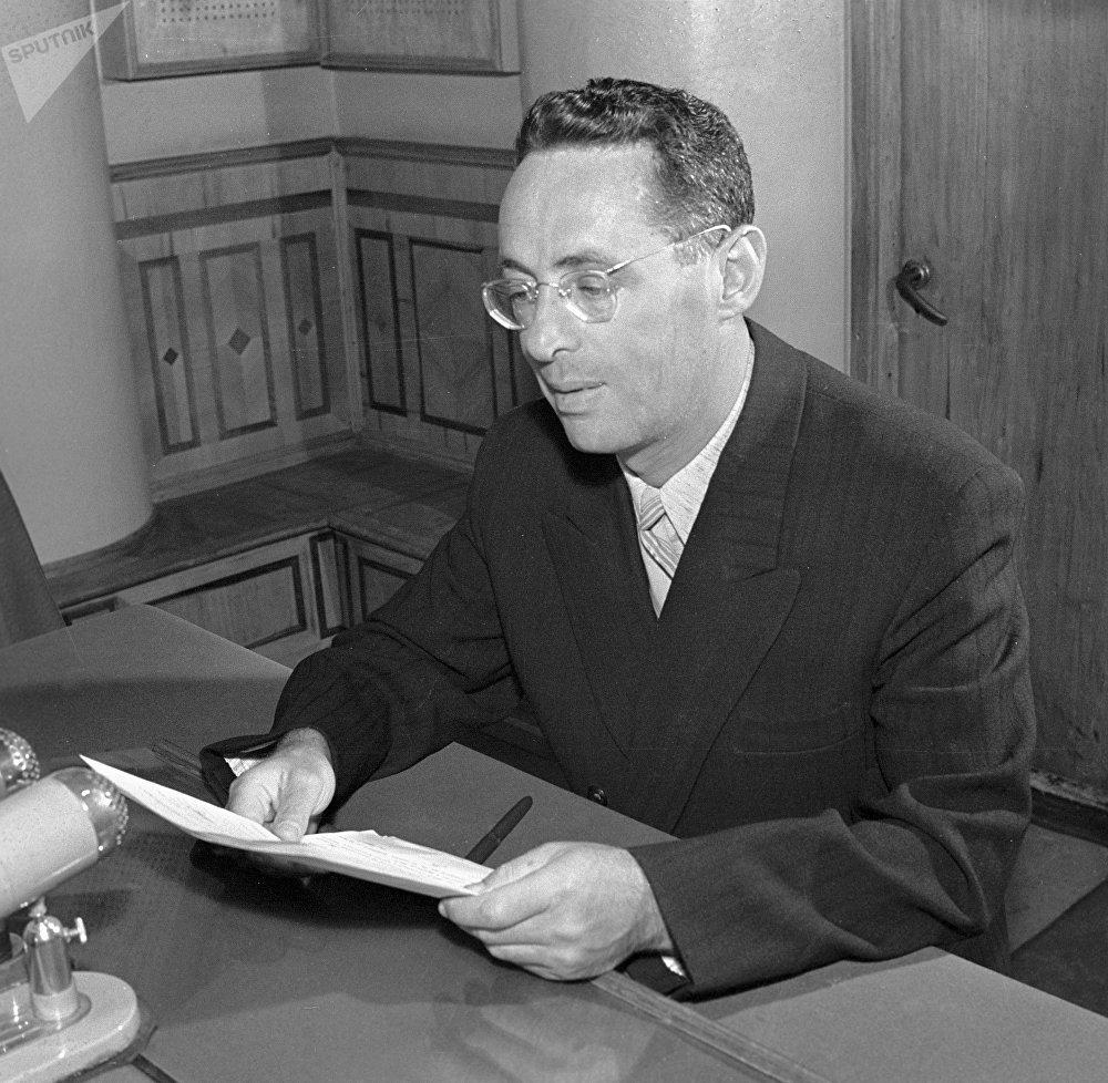 Yuri Borisovich Levitan en enero de 1956