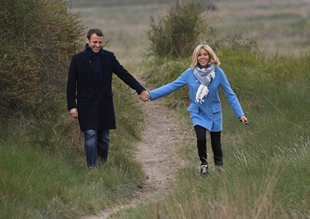 Emmanuel Macron y Brigitte Trogneux (archivo)