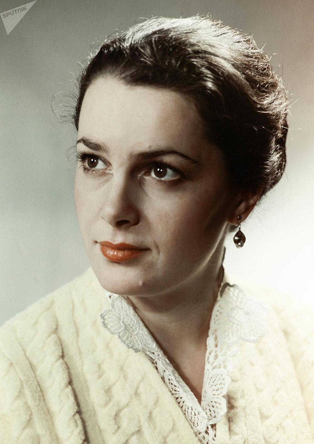 Elina Bystritskaya, actriz soviética